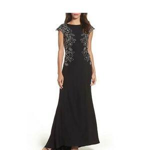 Tadashi Shoji Black White Mino Lace Gown Size 4